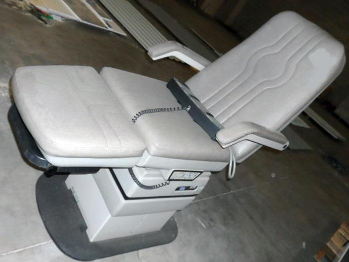 MIDMARK 417 Podiatry Chair